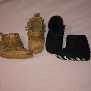 2 pairs of baby girl Booties